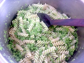 River cottage macaroni peas in pot