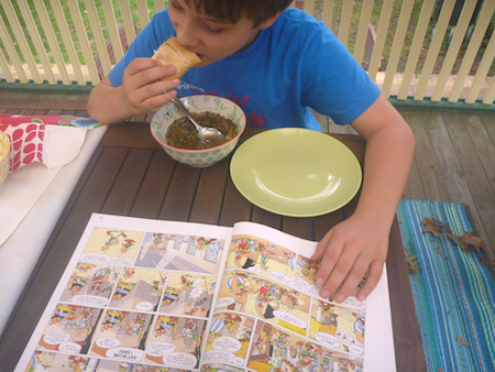 Eating French lentil and onion soup and reading Asterix