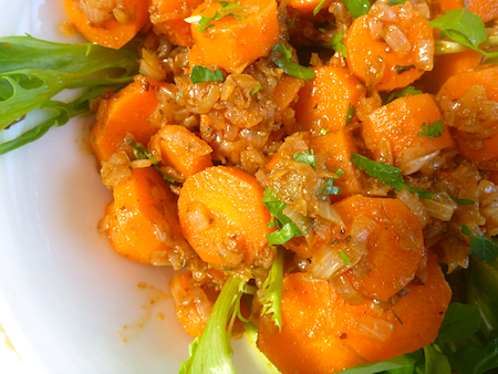 North African spicy carrot salad