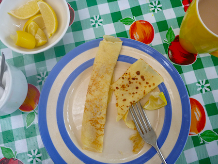 Pancakes with lemon and sugar