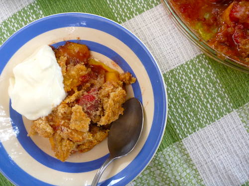 Baked peach and strawberry crumble