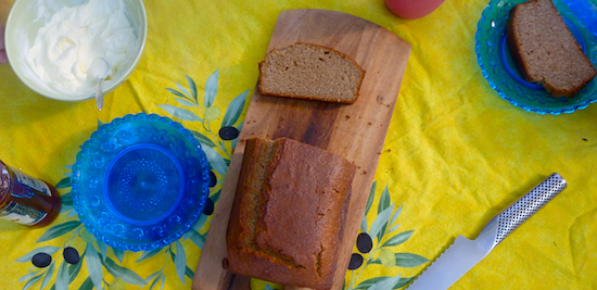 Wholemeal cinnamon snacking cake
