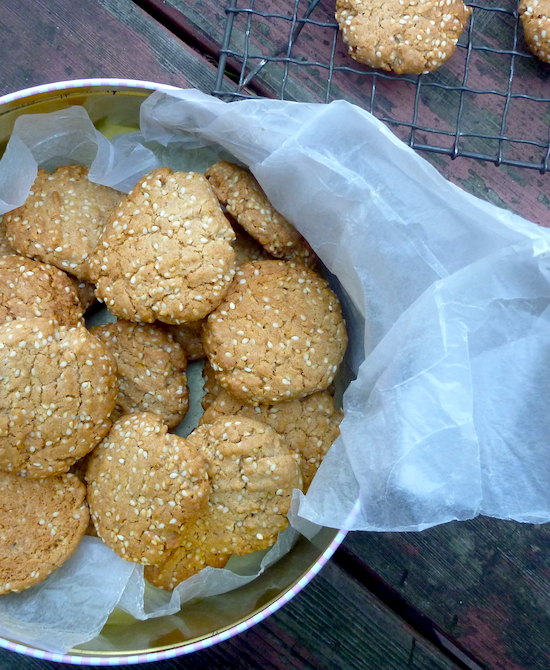 Spelt, sesame and coconut cookies dairy free