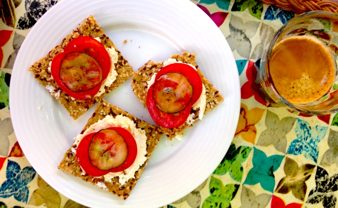 Swedish seed crackers - knackebrot #vegan