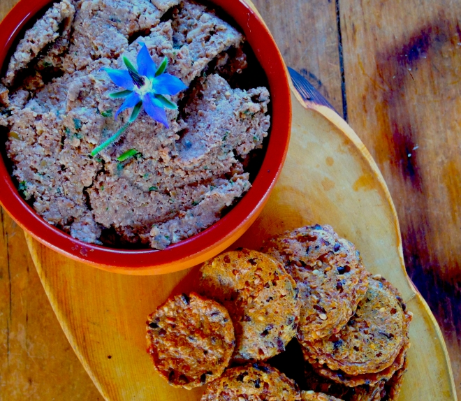 Vegetarian Foie Gras - Lentil and Walut pate #vegetarian #appetizers