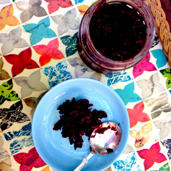 Quick beetroot relish