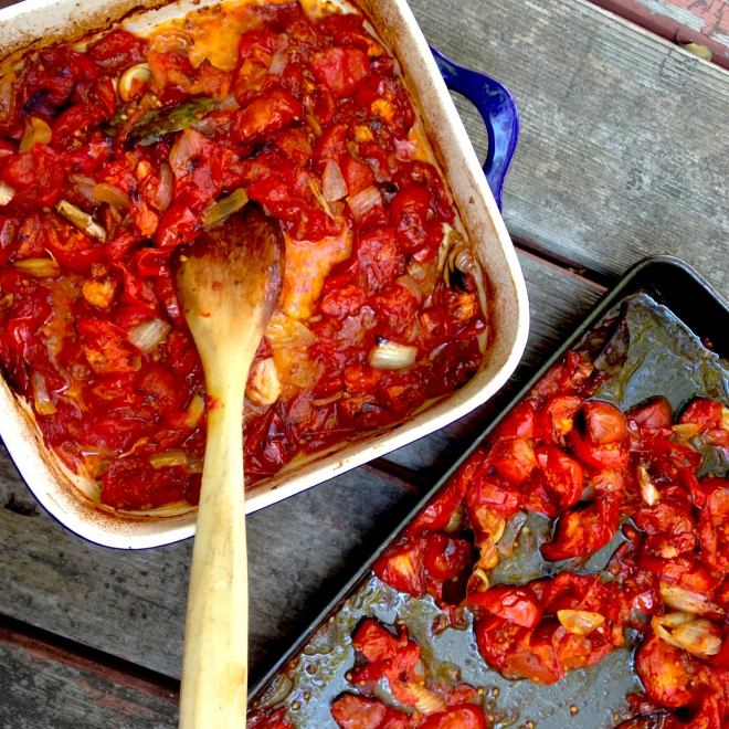 Roasted tomato sauce #autumn #vegan