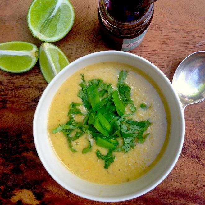 Aromatic and wonderful Thai red lentil soup #vegan