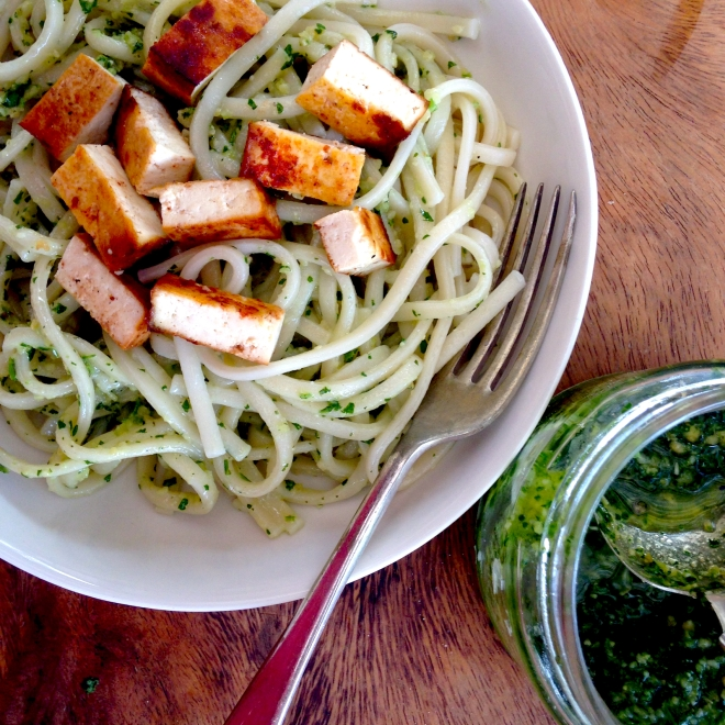 Coriander pesto with noodles and Marinated tofu