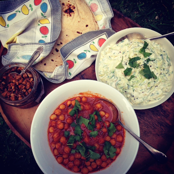 Zucchini raita, chickpeas with ketchup, chapatis #vegetarian #dinner