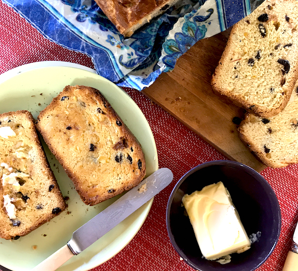 Saffron fruit loaf Easter Saturday breakfast!